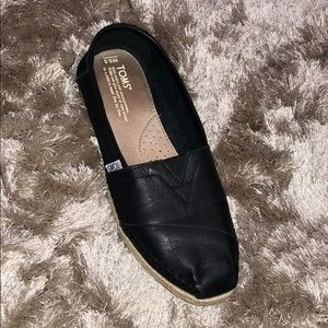 TOMS Full Grain Leather Women's Classics Slip-Ons